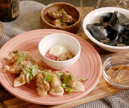 ポルトガルのクロケット料理風餃子 / イカとセロリの水餃子