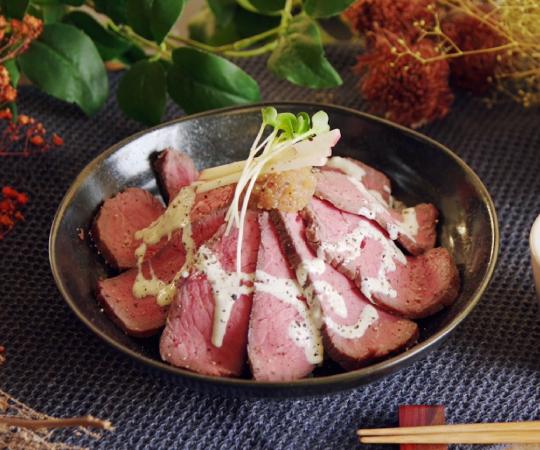 低温調理ローストビーフ丼